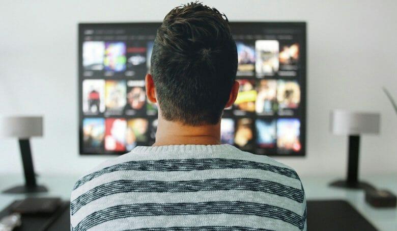 PLUSY(プラシー)とは!スカパー!の最新4Kテレビのサブスクサービス!利用方法、メリット、注意点など徹底解説!